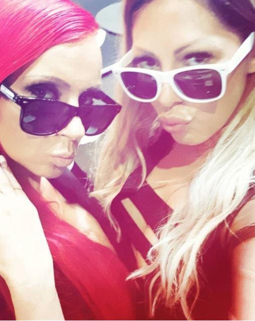 Habt ihr auch das geile Wetter gestern genossen? @racinggirl_lena_heart #miablowhh #miachristin #niceevining #sunnydayselfie #Germangirl #tattoogirl #inkedgirls #sunglasses #pornactress #pornactress #Venus2017 #PRNDE