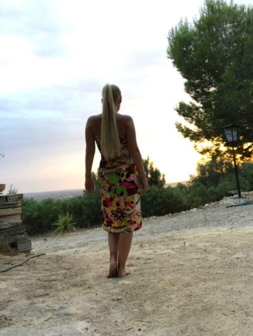 Magst Du mit mir den Sonnenuntergang genießen? 😍 #romantik #sun #sonnenuntergang #Mallorca #kleid