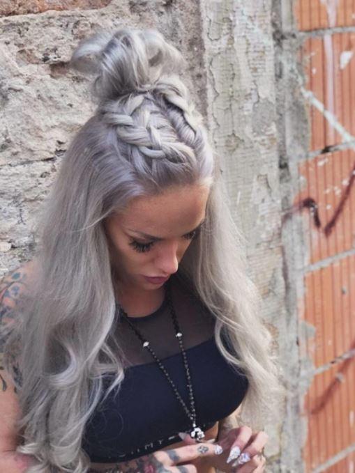 Ich habe die Haare schön und Euch wünsche ich einen MEGA entspannten Samstag ;-) #lillyfeesquirt #Saturday #happyday #boobsfordays #followme