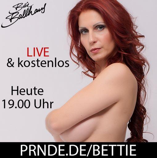 Nicht vergessen, HEUTE bin ich gratis & #live zu sehen. ?? Kussi Eure Bettie #PRNDE #bettieballhaus #bigboobs #red #RedHead #rednails #HOT #youlikebooties #sexyass #Blond #blondgirl #blondhair #MODEL #Berlin ...
