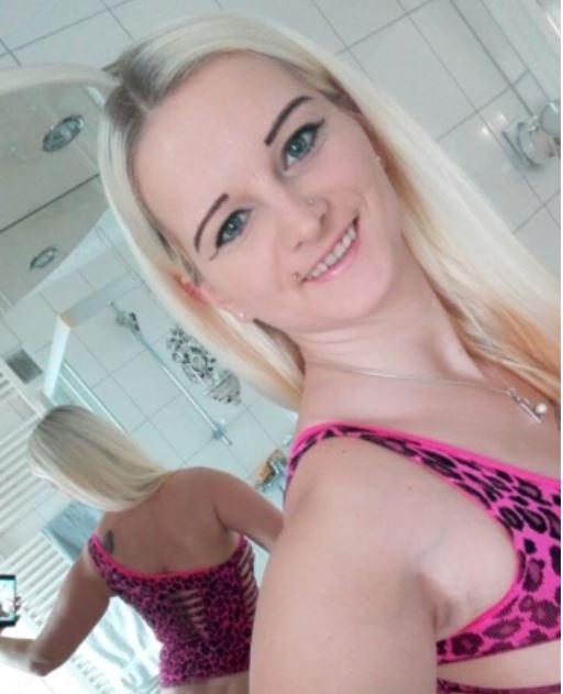 Wer schafft es von Euch mir nur in die Augen zu schauen? ;-) #ass #sundaylove #Smile #cutesmile #follow